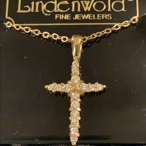 🆕Lindenworld Crystal Diamond Cross Necklace